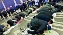 praying-muslims
