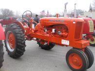 tractor_show_graphic